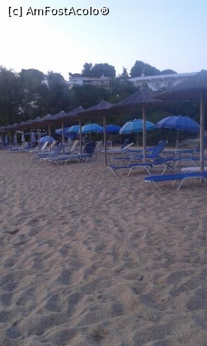 "P04 [JUN-2016] Kolios beach -- foto by <b>LauraT</b> [uploaded 02.08.16] - <span class=""allrVotedi"" id=""av769868"">Foto VOTATĂ de mine!</span><div class=""delVotI"" id=""sv769868""><a href=""/pma_sterge_vot.php?vid=&fid=769868"">Şterge vot</a></div><span id=""v9769868"" class=""displayinline;""> - <a style=""color:red;"" href=""javascript:votez(769868)""><b>LIKE</b> = Votează poza</a><img class=""loader"" id=""f769868Validating"" src=""/imagini/loader.gif"" border=""0"" /><span class=""AjErrMes""  id=""e769868MesajEr""></span>"