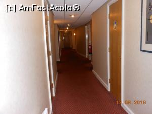 P09 <small>[AUG-2016]</small> Hotel Holiday Inn Express - Holul pe care se află și camera 112.  » foto by iulianic  -  &lt;span class=&quot;allrVoted glyphicon glyphicon-heart hidden&quot; id=&quot;av786203&quot;&gt;&lt;/span&gt; &lt;a class=&quot;m-l-10 hidden&quot; id=&quot;sv786203&quot; onclick=&quot;voting_Foto_DelVot(,786203,20963)&quot; role=&quot;button&quot;&gt;șterge vot &lt;span class=&quot;glyphicon glyphicon-remove&quot;&gt;&lt;/span&gt;&lt;/a&gt; &lt;a id=&quot;v9786203&quot; class=&quot; c-red&quot;  onclick=&quot;voting_Foto_SetVot(786203)&quot; role=&quot;button&quot;&gt;&lt;span class=&quot;glyphicon glyphicon-heart-empty&quot;&gt;&lt;/span&gt; &lt;b&gt;LIKE&lt;/b&gt; = Votează poza&lt;/a&gt; &lt;img class=&quot;hidden&quot;  id=&quot;f786203W9&quot; src=&quot;/imagini/loader.gif&quot; border=&quot;0&quot; /&gt;&lt;span class=&quot;AjErrMes hidden&quot; id=&quot;e786203ErM&quot;&gt;&lt;/span&gt;