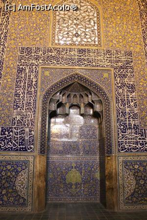 P85 <small>[APR-2017]</small> Isfahan, Moscheea Sheikh Lotfollah, mihrab » foto by mprofeanu  -  &lt;span class=&quot;allrVoted glyphicon glyphicon-heart hidden&quot; id=&quot;av852278&quot;&gt;&lt;/span&gt; &lt;a class=&quot;m-l-10 hidden&quot; id=&quot;sv852278&quot; onclick=&quot;voting_Foto_DelVot(,852278,20993)&quot; role=&quot;button&quot;&gt;șterge vot &lt;span class=&quot;glyphicon glyphicon-remove&quot;&gt;&lt;/span&gt;&lt;/a&gt; &lt;a id=&quot;v9852278&quot; class=&quot; c-red&quot;  onclick=&quot;voting_Foto_SetVot(852278)&quot; role=&quot;button&quot;&gt;&lt;span class=&quot;glyphicon glyphicon-heart-empty&quot;&gt;&lt;/span&gt; &lt;b&gt;LIKE&lt;/b&gt; = Votează poza&lt;/a&gt; &lt;img class=&quot;hidden&quot;  id=&quot;f852278W9&quot; src=&quot;/imagini/loader.gif&quot; border=&quot;0&quot; /&gt;&lt;span class=&quot;AjErrMes hidden&quot; id=&quot;e852278ErM&quot;&gt;&lt;/span&gt;