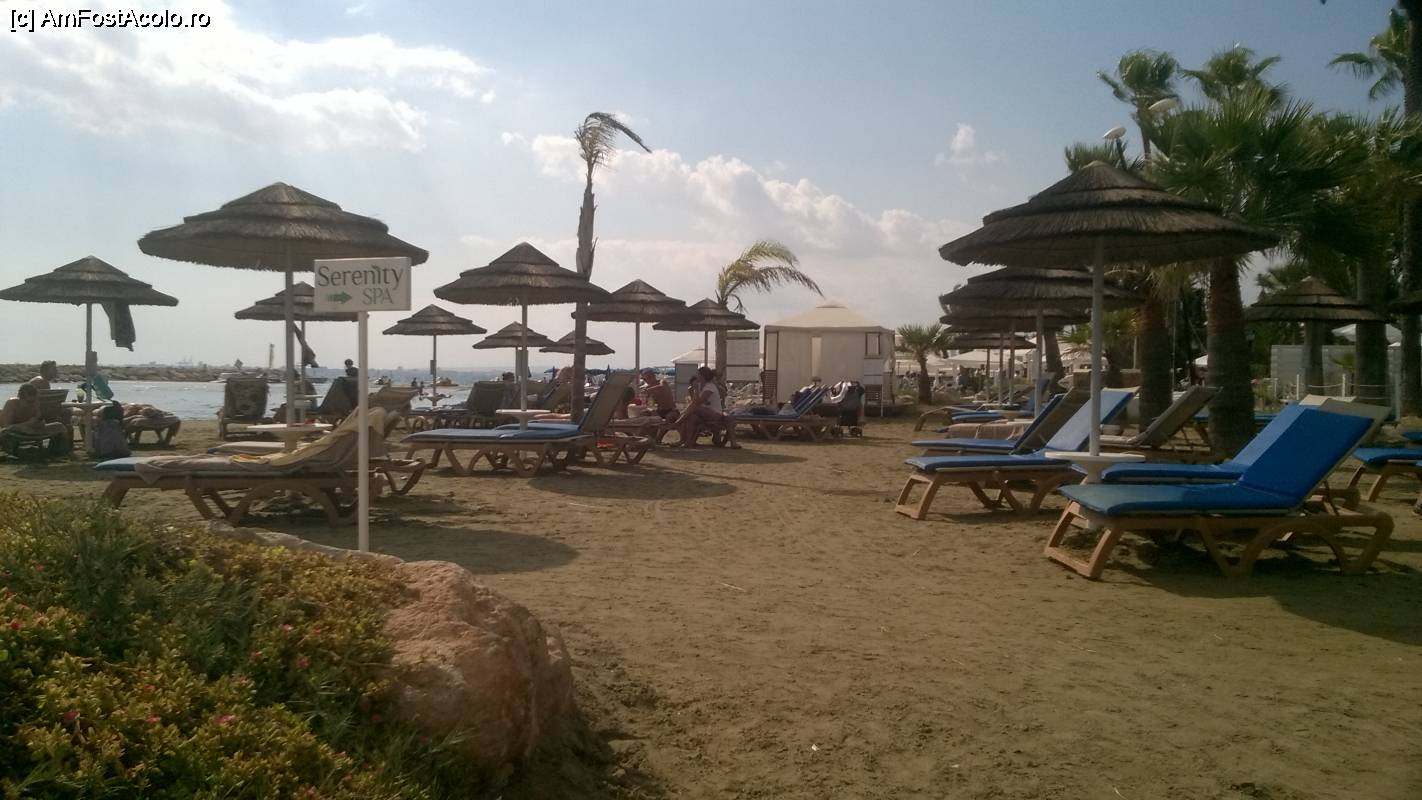 m] La Golden Bay Beach Larnaca - sfarsit de octombrie