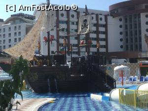 "P43 <small>[SEP-2018]</small> Lonicera Resort & Spa - Aquapark » foto by mishu   <span class=""allrVoted glyphicon glyphicon-heart hidden"" id=""av1012260""></span> <a class=""m-l-10 hidden pull-right"" id=""sv1012260"" onclick=""voting_Foto_DelVot(,1012260,21411)"" role=""button"">șterge vot <span class=""glyphicon glyphicon-remove""></span></a> <img class=""hidden pull-right m-r-10 m-l-10""  id=""f1012260W9"" src=""/imagini/loader.gif"" border=""0"" /> <a id=""v91012260"" class="" c-red pull-right""  onclick=""voting_Foto_SetVot(1012260)"" role=""button""><span class=""glyphicon glyphicon-heart-empty""></span> <b>LIKE</b> = Votează poza</a><span class=""AjErrMes hidden"" id=""e1012260ErM""></span>"