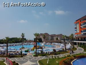 "P09 <small>[JUL-2017]</small> Piscină din fata Lonicera Resort & spa » foto by DanielaK   <span class=""allrVoted glyphicon glyphicon-heart hidden"" id=""av888115""></span> <a class=""m-l-10 hidden pull-right"" id=""sv888115"" onclick=""voting_Foto_DelVot(,888115,21411)"" role=""button"">șterge vot <span class=""glyphicon glyphicon-remove""></span></a> <img class=""hidden pull-right m-r-10 m-l-10""  id=""f888115W9"" src=""/imagini/loader.gif"" border=""0"" /> <a id=""v9888115"" class="" c-red pull-right""  onclick=""voting_Foto_SetVot(888115)"" role=""button""><span class=""glyphicon glyphicon-heart-empty""></span> <b>LIKE</b> = Votează poza</a><span class=""AjErrMes hidden"" id=""e888115ErM""></span>"