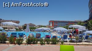 "P02 <small>[JUL-2017]</small> piscina de langa hotelul mare Lonicera resort & spa » foto by ManuDenes   <span class=""allrVoted glyphicon glyphicon-heart hidden"" id=""av882574""></span> <a class=""m-l-10 hidden pull-right"" id=""sv882574"" onclick=""voting_Foto_DelVot(,882574,21411)"" role=""button"">șterge vot <span class=""glyphicon glyphicon-remove""></span></a> <img class=""hidden pull-right m-r-10 m-l-10""  id=""f882574W9"" src=""/imagini/loader.gif"" border=""0"" /> <a id=""v9882574"" class="" c-red pull-right""  onclick=""voting_Foto_SetVot(882574)"" role=""button""><span class=""glyphicon glyphicon-heart-empty""></span> <b>LIKE</b> = Votează poza</a><span class=""AjErrMes hidden"" id=""e882574ErM""></span>"