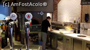 "P20 [JUN-2018] prepararea blatului de pizza :) <p> in sfarsit, a ajuns pe masa de lucru pentru adaugarea ingredientelor :)  -- foto by <b>silvia tudoran</b> [uploaded 01.08.18] - <span class=""allrVotedi"" id=""av992930"">Foto VOTATĂ de mine!</span><div class=""delVotI"" id=""sv992930""><a href=""/pma_sterge_vot.php?vid=&fid=992930"">Şterge vot</a></div><span id=""v9992930"" class=""displayinline;""> - <a style=""color:red;"" href=""javascript:votez(992930)""><b>LIKE</b> = Votează poza</a><img class=""loader"" id=""f992930Validating"" src=""/imagini/loader.gif"" border=""0"" /><span class=""AjErrMes""  id=""e992930MesajEr""></span>"