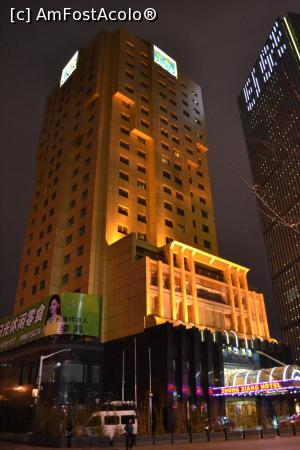 "P02 [MAR-2017] Hotel Zhong Xiang Shanghai seara -- foto by <b>AZE</b> [uploaded 02.04.17] - <span class=""allrVotedi"" id=""av844492"">Foto VOTATĂ de mine!</span><div class=""delVotI"" id=""sv844492""><a href=""/pma_sterge_vot.php?vid=&fid=844492"">Şterge vot</a></div><span id=""v9844492"" class=""displayinline;""> - <a style=""color:red;"" href=""javascript:votez(844492)""><b>LIKE</b> = Votează poza</a><img class=""loader"" id=""f844492Validating"" src=""/imagini/loader.gif"" border=""0"" /><span class=""AjErrMes""  id=""e844492MesajEr""></span>"
