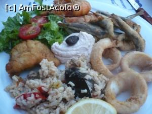 "P01 [AUG-2017] mix peste si fructe de mare la Muses... in mijloc icre foarte bune...  -- foto by <b>danutapop</b> [uploaded 12.08.17] - <span class=""allrVotedi"" id=""av888363"">Foto VOTATĂ de mine!</span><div class=""delVotI"" id=""sv888363""><a href=""/pma_sterge_vot.php?vid=&fid=888363"">Şterge vot</a></div><span id=""v9888363"" class=""displayinline;""> - <a style=""color:red;"" href=""javascript:votez(888363)""><b>LIKE</b> = Votează poza</a><img class=""loader"" id=""f888363Validating"" src=""/imagini/loader.gif"" border=""0"" /><span class=""AjErrMes""  id=""e888363MesajEr""></span>"