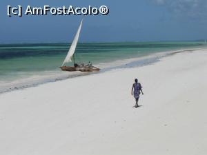 P18 <small>[înc: 30.07.17]</small> Iar reflux, un masai si o barca de pescari