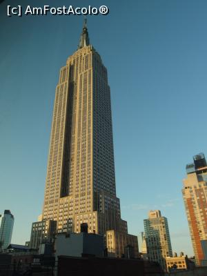 "P04 [AUG-2017] Empire State Building la răsărit -- foto by <b>DanCld</b> [uploaded 19.08.17] - <span class=""allrVotedi"" id=""av891803"">Foto VOTATĂ de mine!</span><div class=""delVotI"" id=""sv891803""><a href=""/pma_sterge_vot.php?vid=&fid=891803"">Şterge vot</a></div><span id=""v9891803"" class=""displayinline;""> - <a style=""color:red;"" href=""javascript:votez(891803)""><b>LIKE</b> = Votează poza</a><img class=""loader"" id=""f891803Validating"" src=""/imagini/loader.gif"" border=""0"" /><span class=""AjErrMes""  id=""e891803MesajEr""></span>"