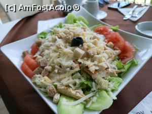 "P05 [APR-2019] Restaurant Drakata - salată Cezar -- foto by <b>crismis</b> [uploaded 30.05.19] - <span class=""allrVotedi"" id=""av1074381"">Foto VOTATĂ de mine!</span><div class=""delVotI"" id=""sv1074381""><a href=""/pma_sterge_vot.php?vid=&fid=1074381"">Şterge vot</a></div><span id=""v91074381"" class=""displayinline;""> - <a style=""color:red;"" href=""javascript:votez(1074381)""><b>LIKE</b> = Votează poza</a><img class=""loader"" id=""f1074381Validating"" src=""/imagini/loader.gif"" border=""0"" /><span class=""AjErrMes""  id=""e1074381MesajEr""></span>"