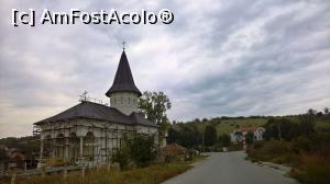 "P17 [OCT-2018] Biserica nouă din Viile Sibiului -- foto by <b>AZE</b> [uploaded 07.10.18] - <span class=""allrVotedi"" id=""av1018007"">Foto VOTATĂ de mine!</span><div class=""delVotI"" id=""sv1018007""><a href=""/pma_sterge_vot.php?vid=&fid=1018007"">Şterge vot</a></div><span id=""v91018007"" class=""displayinline;""> - <a style=""color:red;"" href=""javascript:votez(1018007)""><b>LIKE</b> = Votează poza</a><img class=""loader"" id=""f1018007Validating"" src=""/imagini/loader.gif"" border=""0"" /><span class=""AjErrMes""  id=""e1018007MesajEr""></span>"
