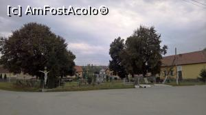 "P04 [OCT-2018] Parcul și monumentul eroilor -- foto by <b>AZE</b> [uploaded 07.10.18] - <span class=""allrVotedi"" id=""av1017985"">Foto VOTATĂ de mine!</span><div class=""delVotI"" id=""sv1017985""><a href=""/pma_sterge_vot.php?vid=&fid=1017985"">Şterge vot</a></div><span id=""v91017985"" class=""displayinline;""> - <a style=""color:red;"" href=""javascript:votez(1017985)""><b>LIKE</b> = Votează poza</a><img class=""loader"" id=""f1017985Validating"" src=""/imagini/loader.gif"" border=""0"" /><span class=""AjErrMes""  id=""e1017985MesajEr""></span>"
