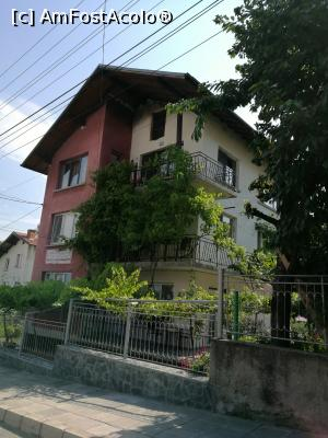 "P01 <small>[JUL-2017]</small> Georgievi Guesthouse, un loc unde te simți ca acasă » foto by crismis   <span class=""allrVoted glyphicon glyphicon-heart hidden"" id=""av923086""></span> <a class=""m-l-10 hidden pull-right"" id=""sv923086"" onclick=""voting_Foto_DelVot(,923086,0)"" role=""button"">șterge vot <span class=""glyphicon glyphicon-remove""></span></a> <img class=""hidden pull-right m-r-10 m-l-10""  id=""f923086W9"" src=""/imagini/loader.gif"" border=""0"" /> <a id=""v9923086"" class="" c-red pull-right""  onclick=""voting_Foto_SetVot(923086)"" role=""button""><span class=""glyphicon glyphicon-heart-empty""></span> <b>LIKE</b> = Votează poza</a><span class=""AjErrMes hidden"" id=""e923086ErM""></span>"