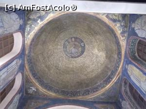 P13 <small>[OCT-2017]</small> Cupola Capelei San Vittoro. Biserica San Ambrogio, Milano.  » foto by mihaelavoicu  -  &lt;span class=&quot;allrVoted glyphicon glyphicon-heart hidden&quot; id=&quot;av923292&quot;&gt;&lt;/span&gt; &lt;a class=&quot;m-l-10 hidden&quot; id=&quot;sv923292&quot; onclick=&quot;voting_Foto_DelVot(,923292,23065)&quot; role=&quot;button&quot;&gt;șterge vot &lt;span class=&quot;glyphicon glyphicon-remove&quot;&gt;&lt;/span&gt;&lt;/a&gt; &lt;a id=&quot;v9923292&quot; class=&quot; c-red&quot;  onclick=&quot;voting_Foto_SetVot(923292)&quot; role=&quot;button&quot;&gt;&lt;span class=&quot;glyphicon glyphicon-heart-empty&quot;&gt;&lt;/span&gt; &lt;b&gt;LIKE&lt;/b&gt; = Votează poza&lt;/a&gt; &lt;img class=&quot;hidden&quot;  id=&quot;f923292W9&quot; src=&quot;/imagini/loader.gif&quot; border=&quot;0&quot; /&gt;&lt;span class=&quot;AjErrMes hidden&quot; id=&quot;e923292ErM&quot;&gt;&lt;/span&gt;