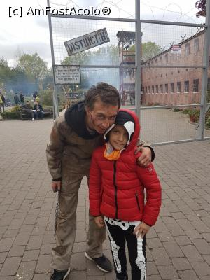 "P13 [OCT-2017] Halloween party - Walibi -- foto by <b>andreea_c</b> [uploaded 05.02.18] - <span class=""allrVotedi"" id=""av942491"">Foto VOTATĂ de mine!</span><div class=""delVotI"" id=""sv942491""><a href=""/pma_sterge_vot.php?vid=&fid=942491"">Şterge vot</a></div><span id=""v9942491"" class=""displayinline;""> - <a style=""color:red;"" href=""javascript:votez(942491)""><b>LIKE</b> = Votează poza</a><img class=""loader"" id=""f942491Validating"" src=""/imagini/loader.gif"" border=""0"" /><span class=""AjErrMes""  id=""e942491MesajEr""></span>"