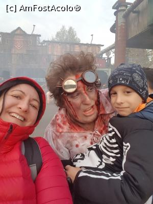 "P18 [OCT-2017] Halloween party - Walibi -- foto by <b>andreea_c</b> [uploaded 05.02.18] - <span class=""allrVotedi"" id=""av942498"">Foto VOTATĂ de mine!</span><div class=""delVotI"" id=""sv942498""><a href=""/pma_sterge_vot.php?vid=&fid=942498"">Şterge vot</a></div><span id=""v9942498"" class=""displayinline;""> - <a style=""color:red;"" href=""javascript:votez(942498)""><b>LIKE</b> = Votează poza</a><img class=""loader"" id=""f942498Validating"" src=""/imagini/loader.gif"" border=""0"" /><span class=""AjErrMes""  id=""e942498MesajEr""></span>"