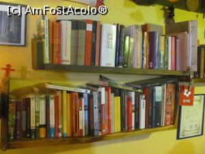 "P07 [SEP-2018] Biblioteca din albergue -- foto by <b>Radu Tudoran</b> [uploaded 14.11.18] - <span class=""allrVotedi"" id=""av1031309"">Foto VOTATĂ de mine!</span><div class=""delVotI"" id=""sv1031309""><a href=""/pma_sterge_vot.php?vid=&fid=1031309"">Şterge vot</a></div><span id=""v91031309"" class=""displayinline;""> - <a style=""color:red;"" href=""javascript:votez(1031309)""><b>LIKE</b> = Votează poza</a><img class=""loader"" id=""f1031309Validating"" src=""/imagini/loader.gif"" border=""0"" /><span class=""AjErrMes""  id=""e1031309MesajEr""></span>"