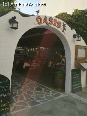 "P09 <small>[AUG-2018]</small> Taverna Oasis, Chora - intrarea » foto by crismis   <span class=""allrVoted glyphicon glyphicon-heart hidden"" id=""av1034974""></span> <a class=""m-l-10 hidden pull-right"" id=""sv1034974"" onclick=""voting_Foto_DelVot(,1034974,24617)"" role=""button"">șterge vot <span class=""glyphicon glyphicon-remove""></span></a> <img class=""hidden pull-right m-r-10 m-l-10""  id=""f1034974W9"" src=""/imagini/loader.gif"" border=""0"" /> <a id=""v91034974"" class="" c-red pull-right""  onclick=""voting_Foto_SetVot(1034974)"" role=""button""><span class=""glyphicon glyphicon-heart-empty""></span> <b>LIKE</b> = Votează poza</a><span class=""AjErrMes hidden"" id=""e1034974ErM""></span>"