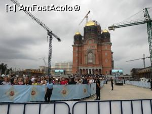 "P03 [MAY-2019] Macaralele și catedrala.  -- foto by <b>Mika</b> [uploaded 02.06.19] - <span class=""allrVotedi"" id=""av1075098"">Foto VOTATĂ de mine!</span><div class=""delVotI"" id=""sv1075098""><a href=""/pma_sterge_vot.php?vid=&fid=1075098"">Şterge vot</a></div><span id=""v91075098"" class=""displayinline;""> - <a style=""color:red;"" href=""javascript:votez(1075098)""><b>LIKE</b> = Votează poza</a><img class=""loader"" id=""f1075098Validating"" src=""/imagini/loader.gif"" border=""0"" /><span class=""AjErrMes""  id=""e1075098MesajEr""></span>"