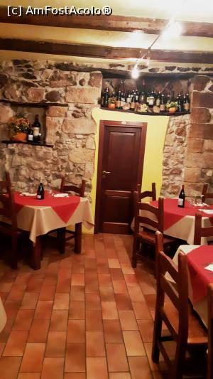 "P10 [SEP-2018] Interior restaurant Pentola D'oro -- foto by <b>BOGDAN DSN</b> [uploaded 13.12.18] - <span class=""allrVotedi"" id=""av1040982"">Foto VOTATĂ de mine!</span><div class=""delVotI"" id=""sv1040982""><a href=""/pma_sterge_vot.php?vid=&fid=1040982"">Şterge vot</a></div><span id=""v91040982"" class=""displayinline;""> - <a style=""color:red;"" href=""javascript:votez(1040982)""><b>LIKE</b> = Votează poza</a><img class=""loader"" id=""f1040982Validating"" src=""/imagini/loader.gif"" border=""0"" /><span class=""AjErrMes""  id=""e1040982MesajEr""></span>"